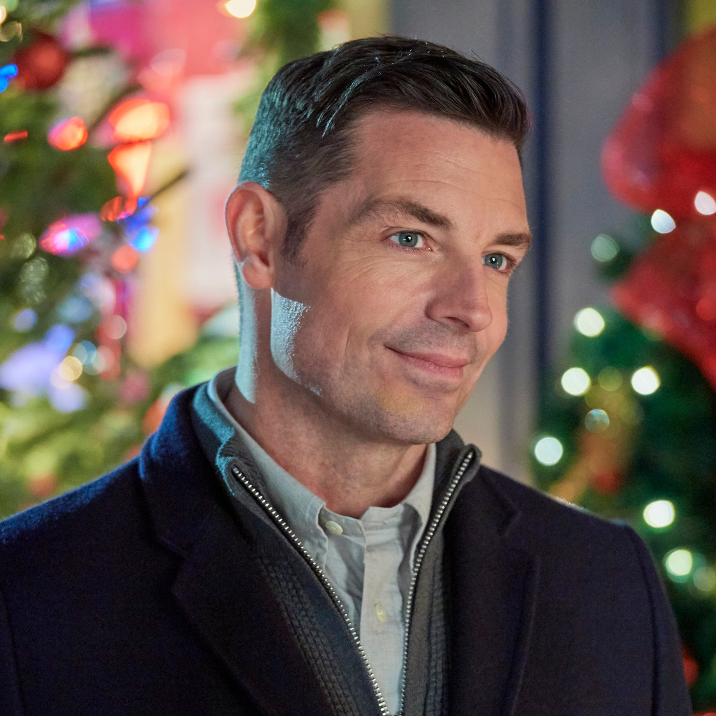 Hallmark Channels' Official Podcast: Miracles of Christmas